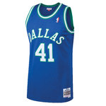 Dirk Nowitzki. Dallas Mavericks.Swingman. Hardwood Classics.