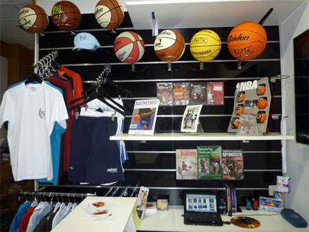 Balones de basket en Showroom\\n\\n05/12/2011 14:52