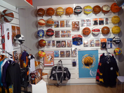 Frontal de balones en Showroom Basketspirit\\n\\n13/05/2011 11:01