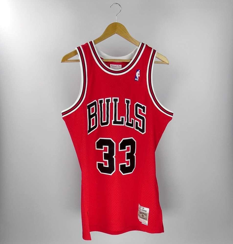 Scottie Pippen. Chicago Bulls. Swingman. Mitchell and Ness. Hardwood ... e520e079b85