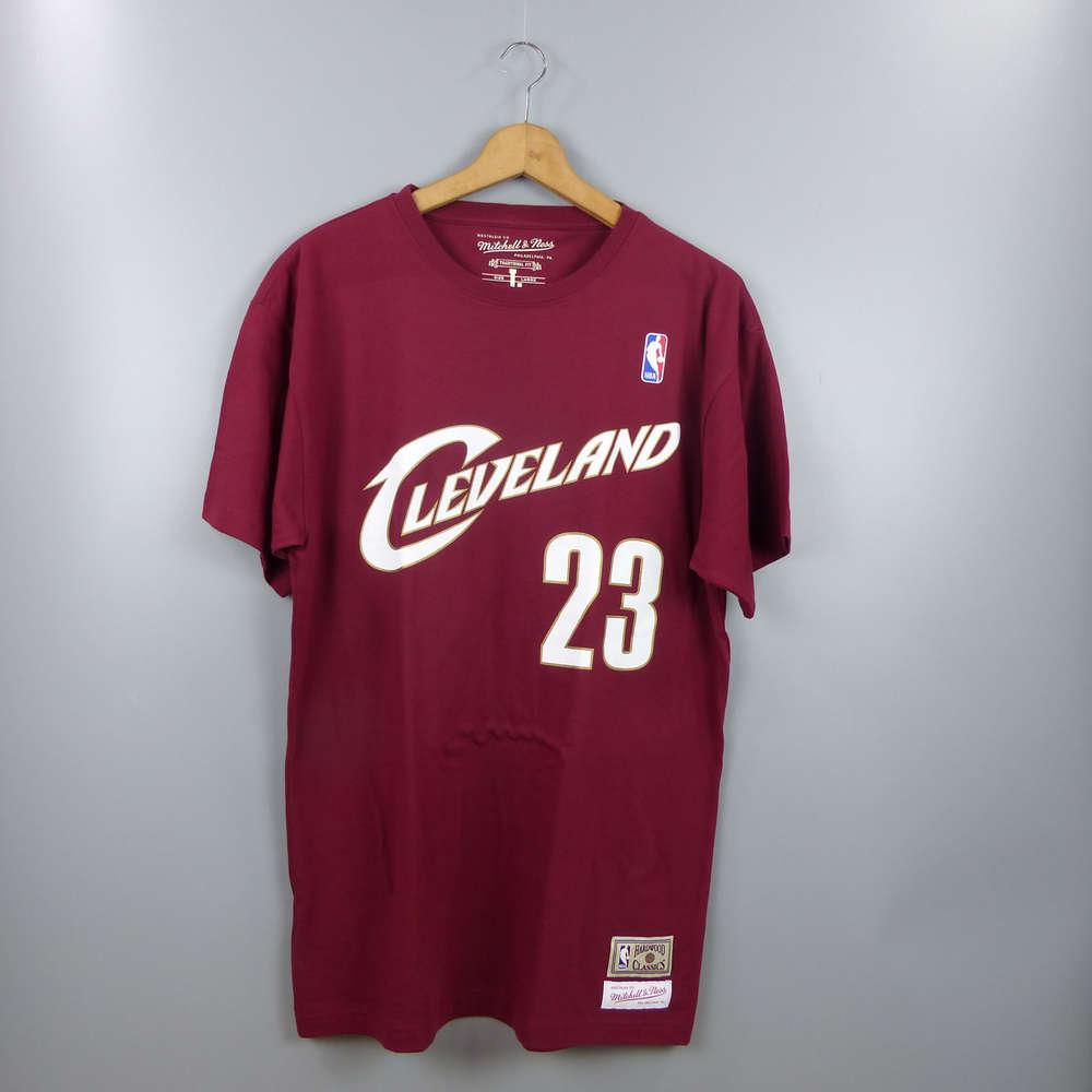 b234957a6c944 Camiseta Lebron James. Cleveland Cavaliers granate. NBA Hardwood Classics  manga corta