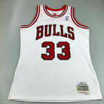 Scottie Pippen. Chicago Bulls. #33. Blanca. Swingman. Hardwood Classics.
