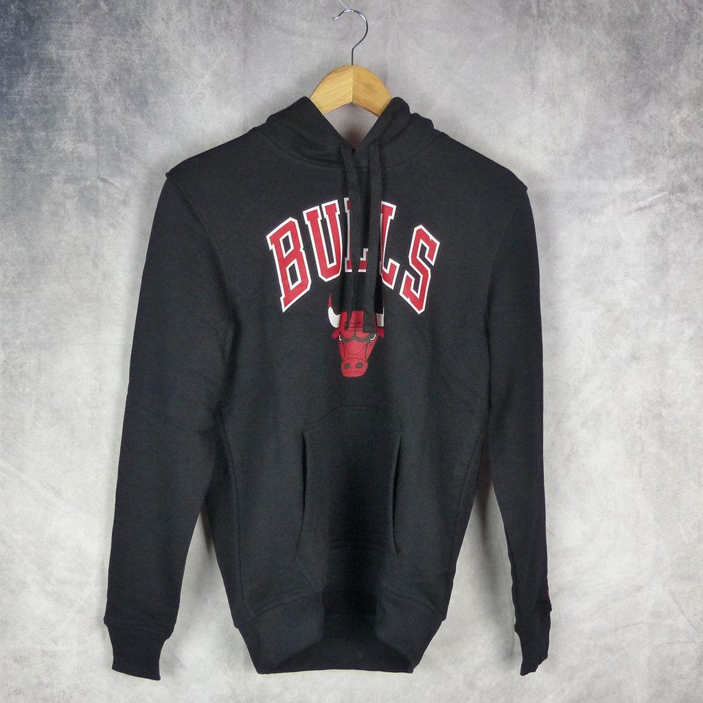 6506c16d2bb10 Negra  Sudadera con capucha.Chicago Bulls NBA. New Era.