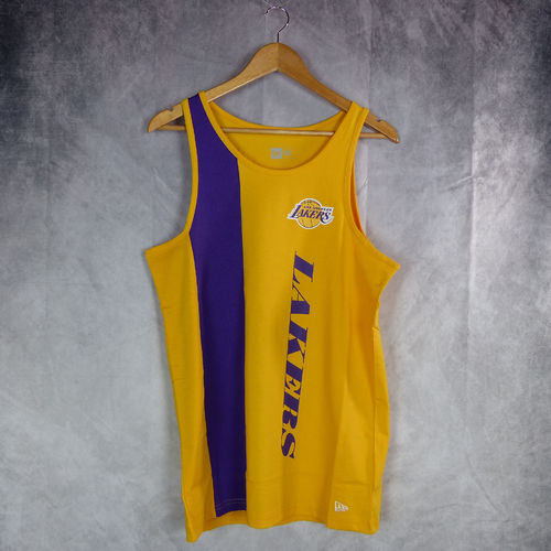 Camiseta sin mangas Los Ángeles Lakers wordmark. Amarilla.New Era