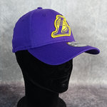 "Gorra New Era  ""Los Angeles Lakers"" Logo 39THIRTY. Púrpura"