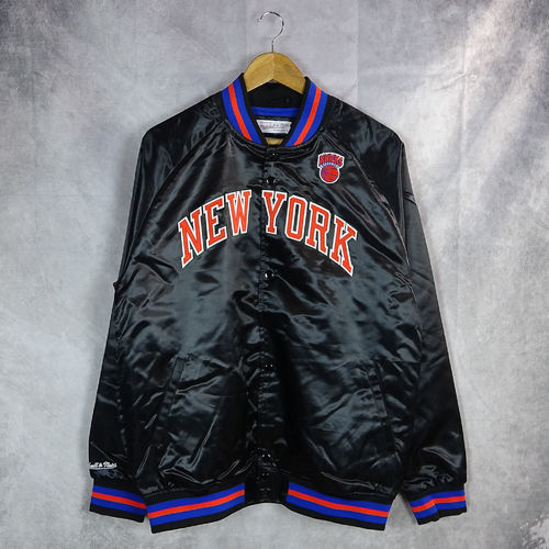 Chaqueta New York Knicks. Light Satin. Hardwood Classics. Mitchell and Ness