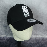 Gorra trucker NBA Logo New Era 9FORTY  niño. Negra