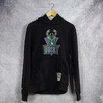 Sudadera con capucha, Milwaukee Bucks. Negra. NBA Woodmark Worn