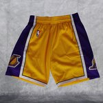 Pantalones cortos Los Angeles Lakers. 2009-10. Amarillos. Swingman. Hardwood Classics NBA